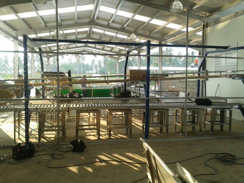 Equipos de procesos en acero inoxidable y PVC.