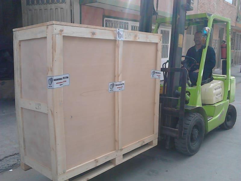 Huacal con 4 guillotinas para exportación.