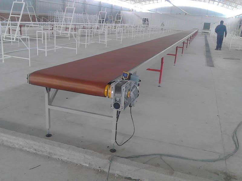 Transportadores para post cosecha con salas de hasta 300 personas en procesos completos de flores cortadas.