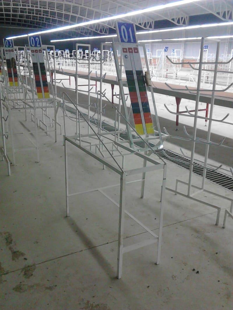 Estructuras adicionales y en paralelo a los transportadores de banda y de rodillo.