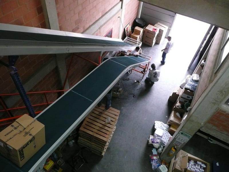 Logística de Almacenamiento y entregas en Plantas de Suministros Textiles de moda y Comercializa doras de Productos.